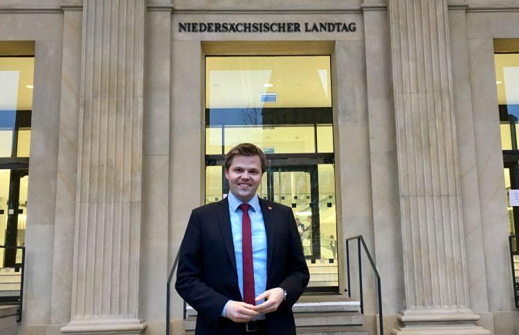 Schulterschluss bei Schulsanierungen – Lingen (Ems), Emsbüren, Freren und Schüttorf erhalten fast 1 Mio. Fördermittel zusätzlich